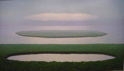 Relación entre la laguna, la isla y la nube. Pintor Tomás Sánchez,